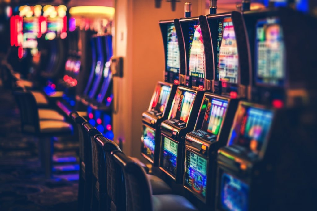 Park mgm to become first smoke free casino on vegas strip Glitters with slots near me