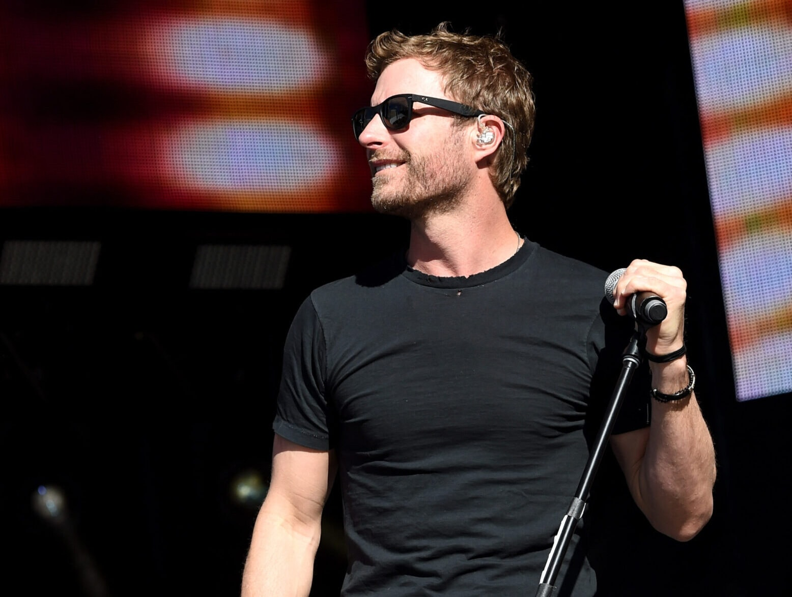 Dierks Bentley Cancels Tour Stop Due To COVID Case